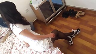 CHINESE GIRL NYLON FOOTJOB